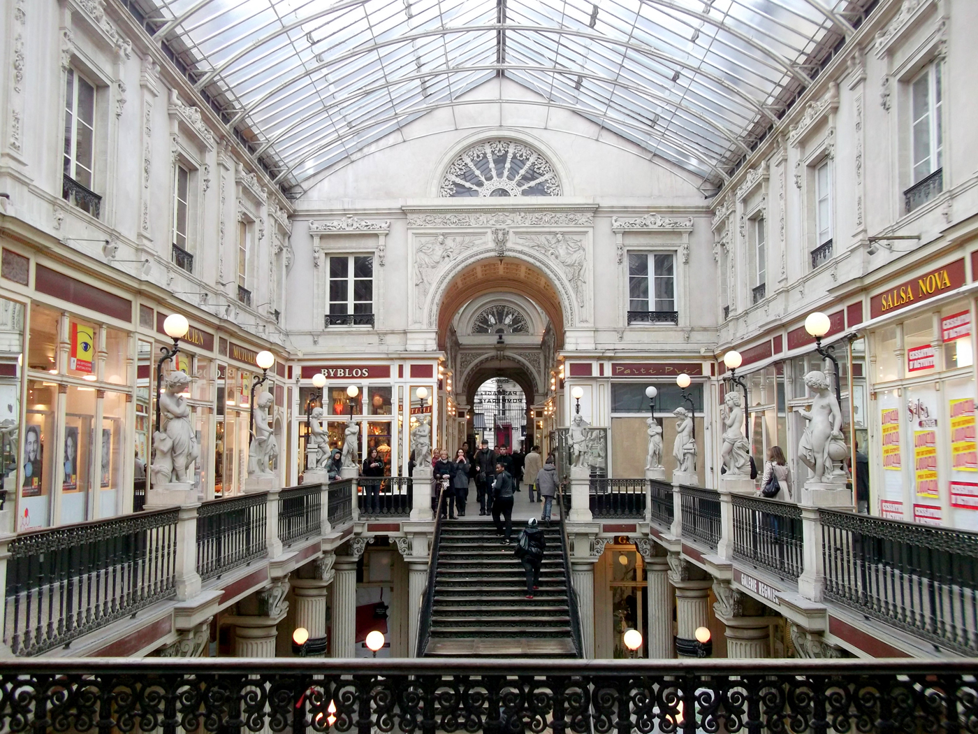 Trip in nantes thinglink - Magasin passage pommeraye ...